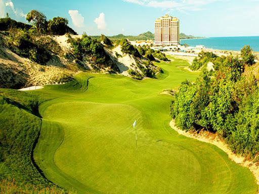 Best golf Course Vietnam - The Bluffs Ho Tram Strip