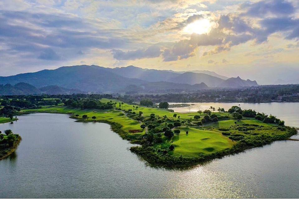 Sky Lake Resort & Golf Club - Vietnam Top Golf Course