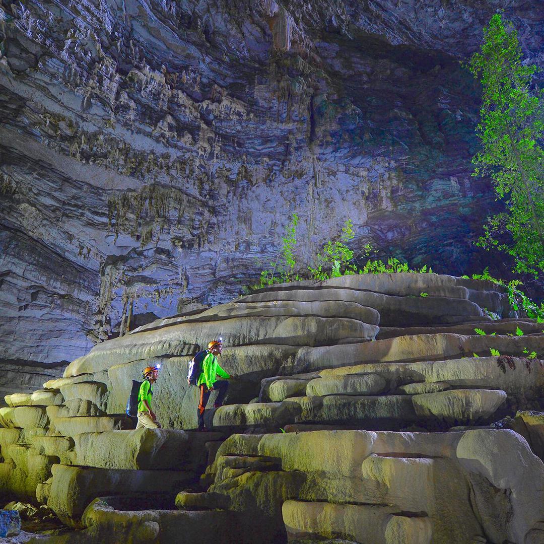 Tour Hang Tien Endeavor 2 Days