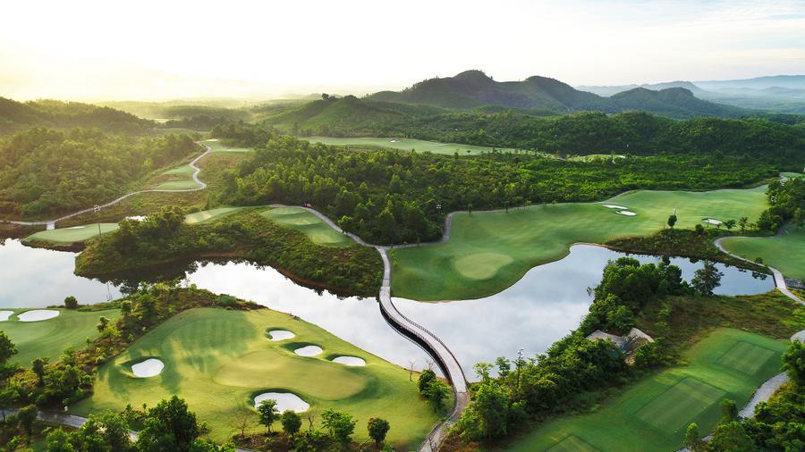 Hanoi &  Danang Luxury Golf Tour Package 8 Days