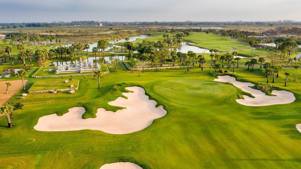 Phnom Penh Golf  & Explore City Center Tour 4 Days